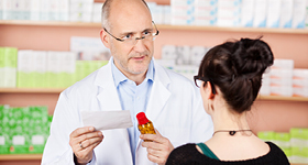 pharmacist-talking-to-woman-sidebar